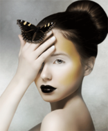 Woman-with-butterfly-Fotokunst-vrouw