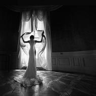 Dance-in-Grey-Fotokunst-vrouw